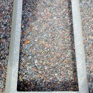 цементный бордюр с гравировкой
