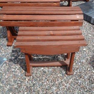 деревянная скамейка